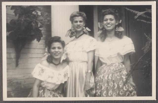 1940s vintage girls in mexican style outfits
