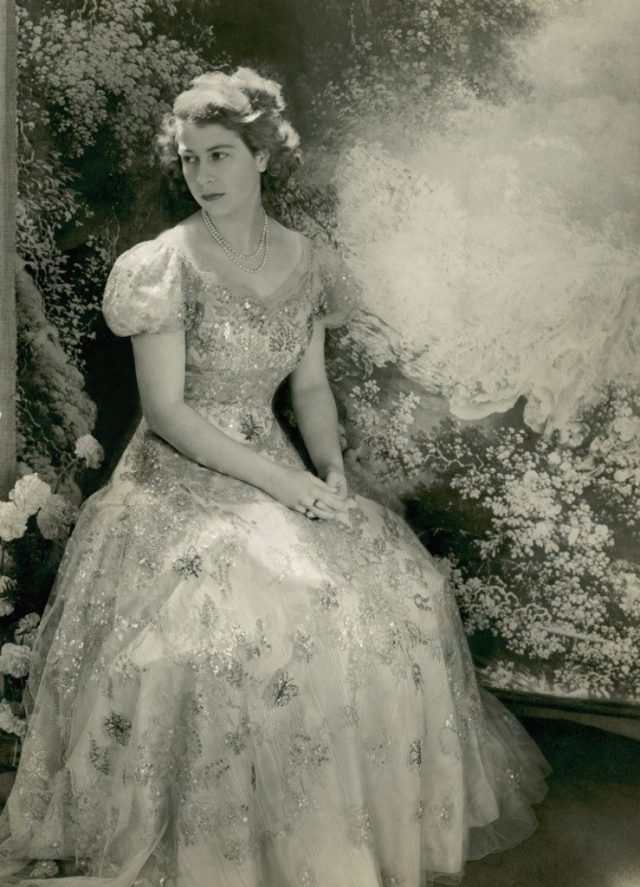 Princess-Elizabeth-young-ball-gown