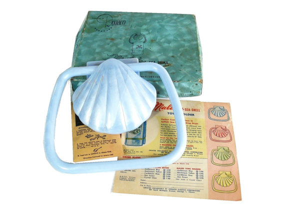 Vintage Towel Holder Donaco Plastic Malibu Sea Shell Delux Pearlescent Bathroom Towel Holder