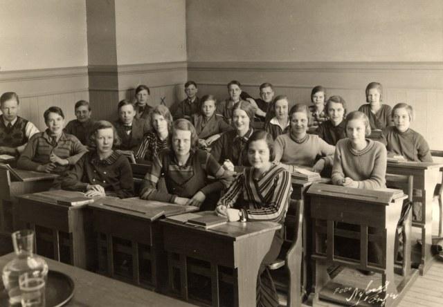 1930s Teenagers in School vintage Image