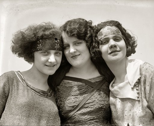 1920s flappers vintage photo