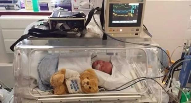 Bebe--prematuro