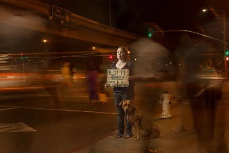 lighting-homeless-people-portraits-underexposed-aaron-draper-16