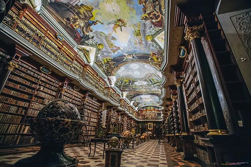 biblioteca-praga7