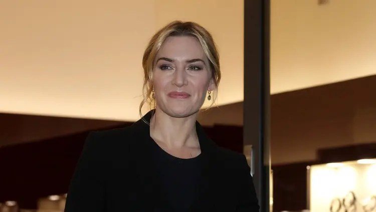 LONDON, ENGLAND - NOVEMBER 24:  Kate Winslet attends the Longines Boutique opening on November 24, 2015 in London, England.  (Photo by Danny Martindale/Getty Images)