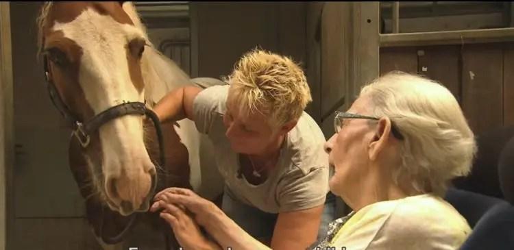 anciana-monta-caballo-1