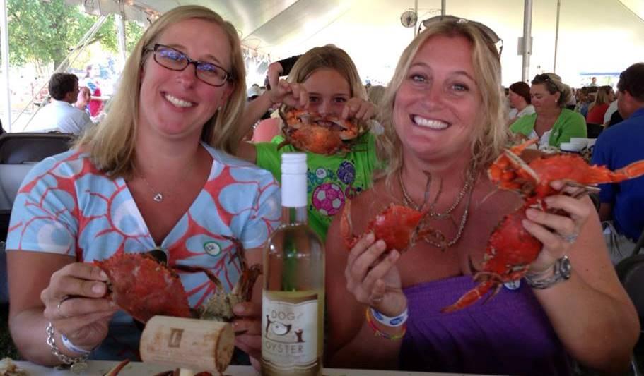 girls wine and crabs signature event photo