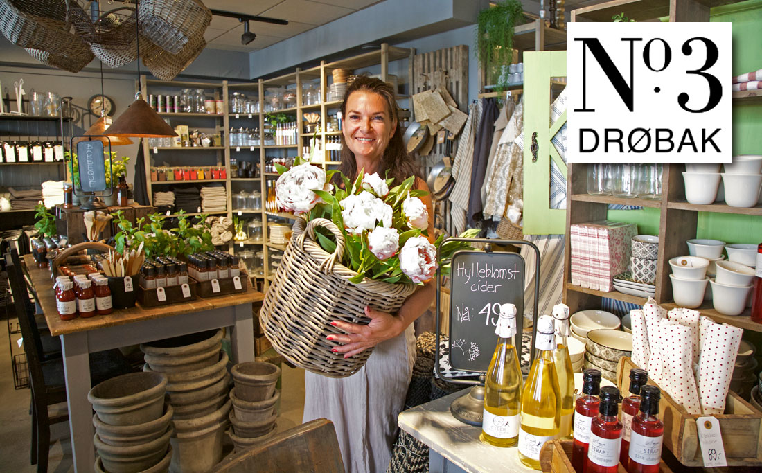 Nina Larsen midt blant sine spennende produkter i No3 Drøbak.