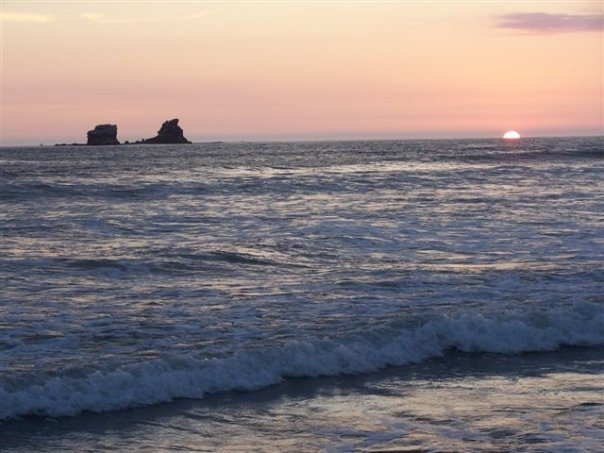 Awe inspiring sunset in Ayampe, a calm gorgeous beach. The Sun Route in the Coastal Region of Ecuador © Carmen Cristina Carpio Tobar