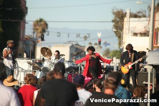 Venice-Beach-Music-Fest-Spring-Fling-43-2-552x368-552x368
