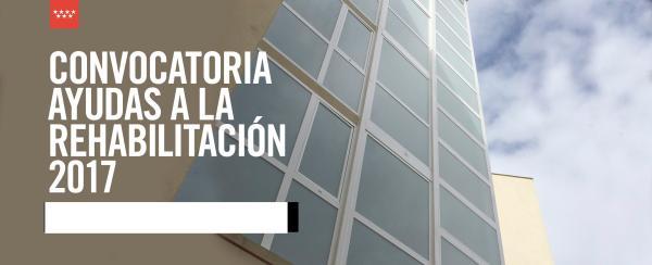 ROLLÁN VISITA LA ESTACIÓN DE METRO DE PRÍNCIPE PÍO PARA CONOCER EL PLAN DE EFICIENCIA ENERGÉTICA DE METRO El consejero de Transportes, Vivienda e Infraestructuras, Pedro Rollán, visita la estación de Metro de Príncipe Pío (L10), donde se está desarrollando el Plan de Eficiencia Energética de Metro con la sustitución de todas las luminarias fluorescentes por otras de tecnología LED.