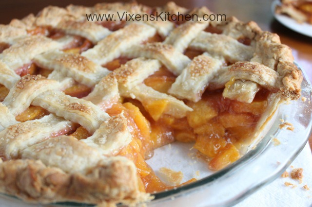 Award Winning Fresh Peach Pie - Vixen's Kitchen