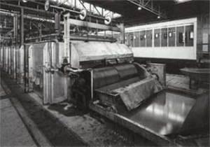Einblick in die Federfabrik, 1965 erbaut. (Quelle: Saarstahl AG)
