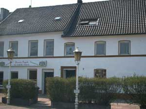 Eins der ältesten Häuser in Völklingen, leider sieht man es nicht mehr. (Bild: A.Hell; 2002)