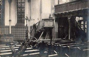 Nach dem Brand in der Martinskirche (Private Sammlung)