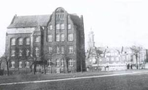 Die Mühlgewannschule um 1910.
