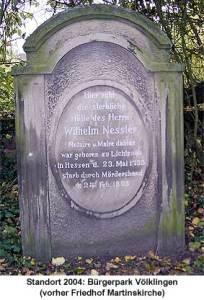 Der Grabstein von Wilhelm Nesser (erster Bürgermeister von Völklingen) - Foto: Hell