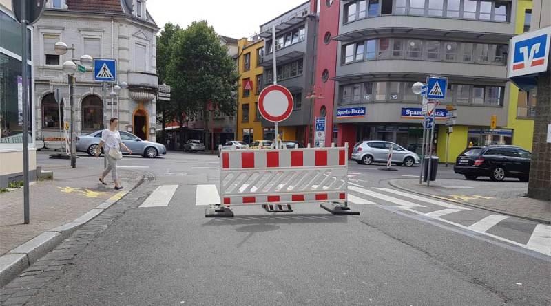 Straßensperrung (Foto: Hell)