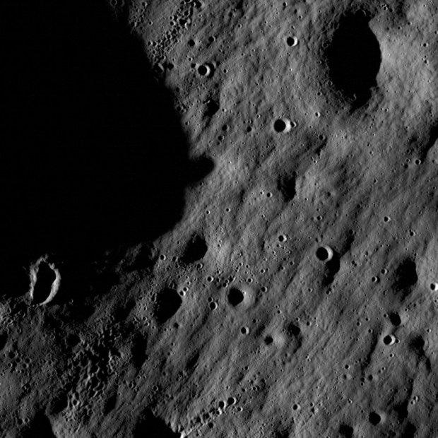 Imagen en alta definición de la luna enviada por la sonda Lunar Reconnaissance Orbiter (LRO)
