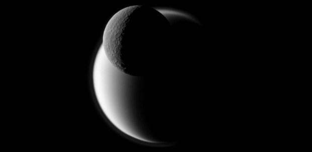 Titan y Rea (Lunas de Saturno)