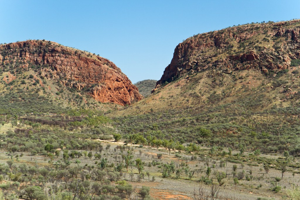 macdonnell-ranges-simpson-gap-hill-lookout-2