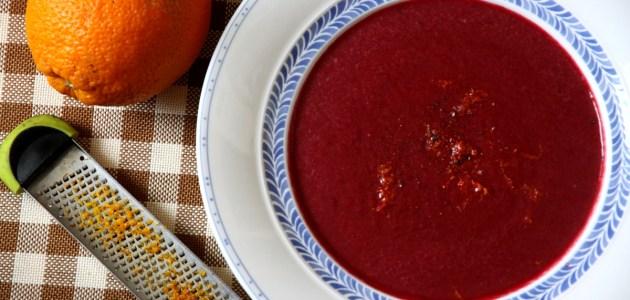 Пряный суп-пюре из свеклы с кокосовым молоком