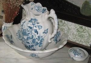 blue painted wash set