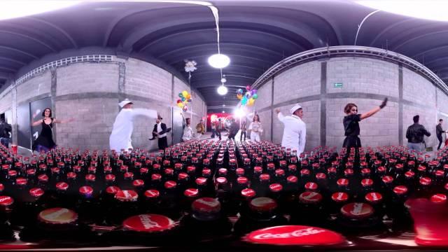 360° Celebra con nosotros en el «Tour de la Botella Coca-Cola»