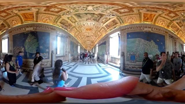 360 VRlog of Entrance to the Sistine Chapel