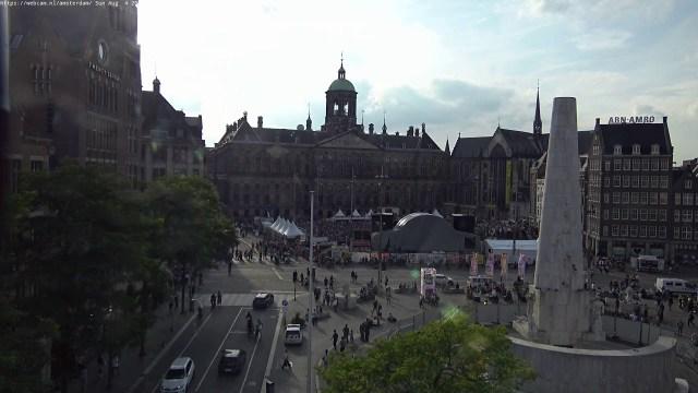 WebCam.NL | www.amsterdam-dam.com – live ultraHD PTZ camera.