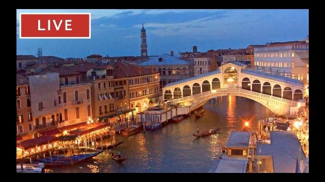 Venice Italy Live Cam – Rialto Bridge in Live Streaming from Palazzo Bembo – Live Webcam Full HD