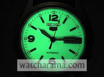 Seiko 5 Military Style - 6,9,12 Dial Lumibrite