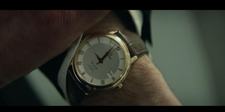 La Omega DeVille Prestige portée par Yvan Attal dans Le Dernier Diamant