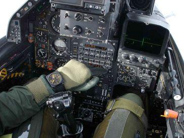 Pilote rafale BR 01 Bell&ross cockpit
