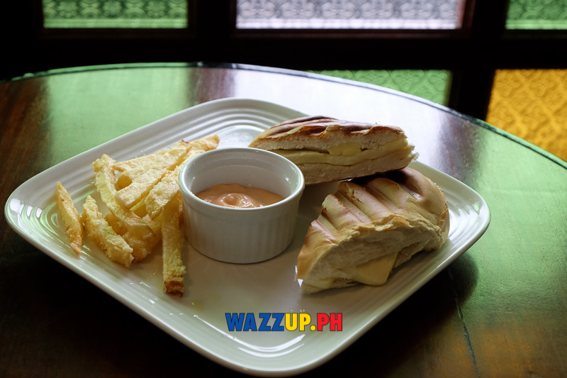 Pan de Suelo cheese sandwich
