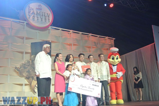 Jolibee 5th Family Values Award Philippines Joseph Tanbuntiong President Blog Blogger Duane Bacon Capilos Children Parents