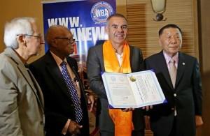 Universidad de Mongolia concede Doctorado a Gilberto Jesús Mendoza