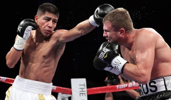 Vargas retains WBA 140lb belt