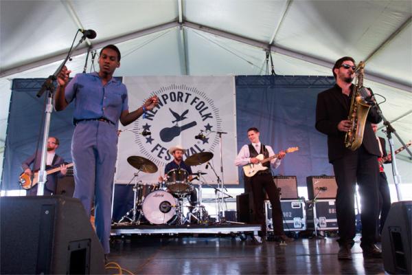 1_Leon Bridges_Newport Folk Festival 2015