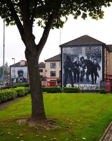 murals in derry londonderry