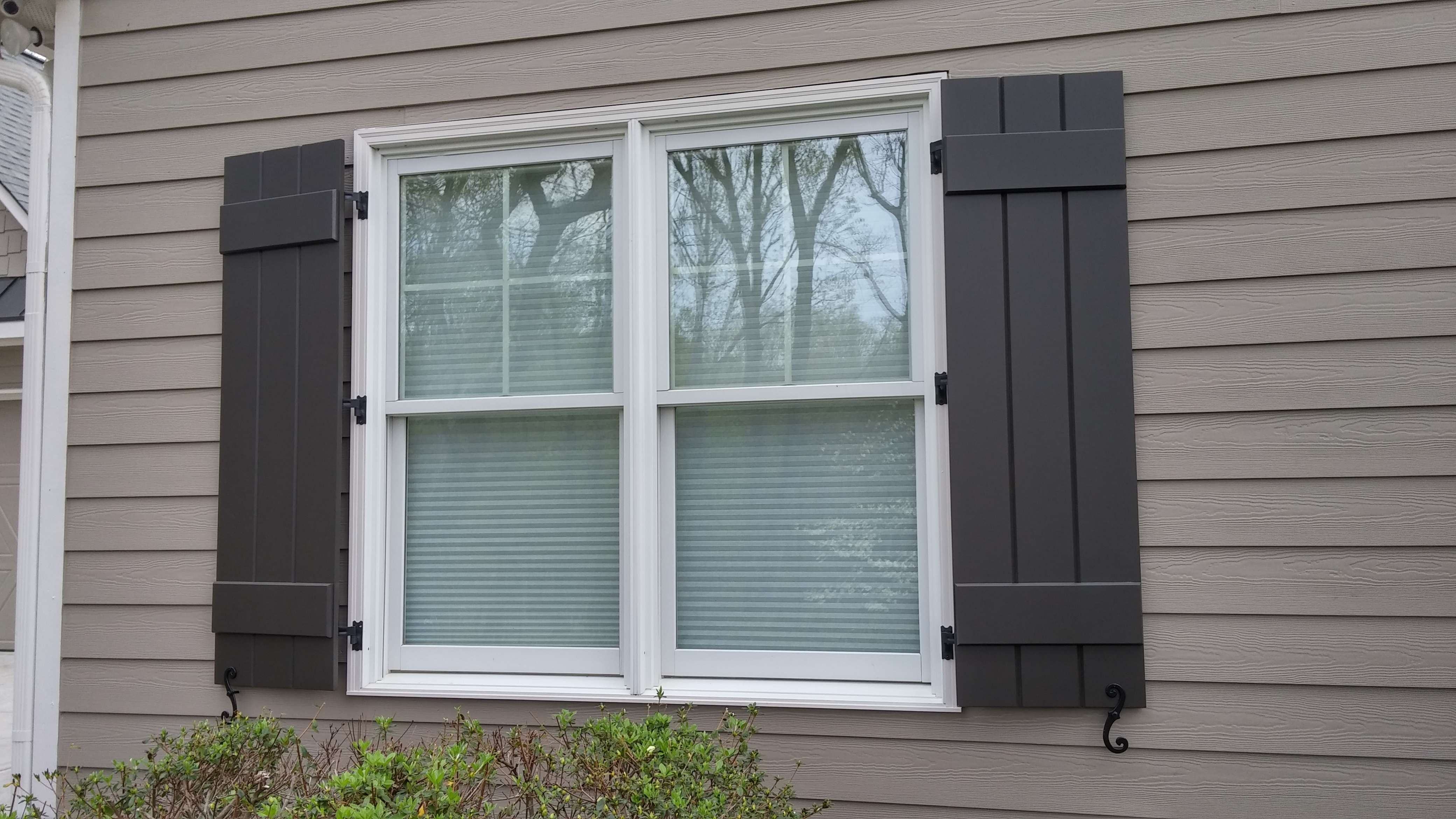 Dainty Batten Exterior Door Typical Arrangement Will Be Boards And Batten Style Shutters Board Batten Exterior Dimensions Board Or Without Adiagonal If Windows Are Very Tall Or You Want When To Use Bo houzz-02 Board And Batten Exterior