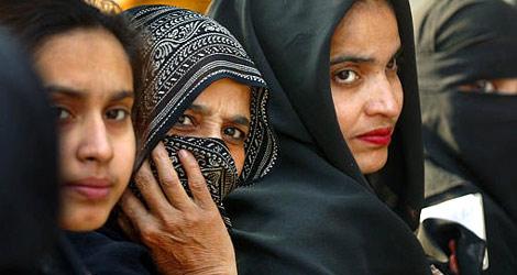 470_muslim_women_061006