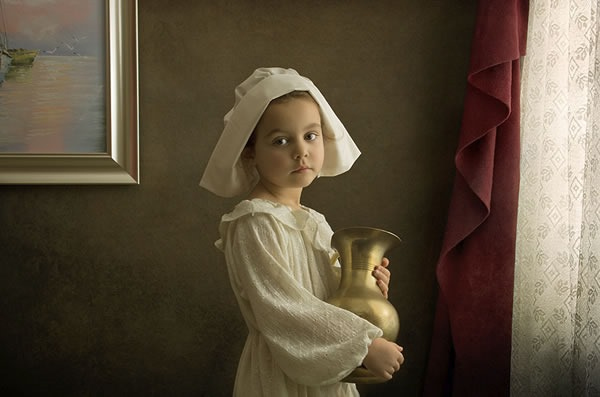 fotografo-retrata-a-su-hija-al-estilo-de-las-pinturas-clasicas-1