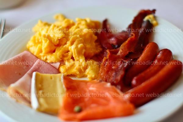 perroquet-buffet-desayuno-1
