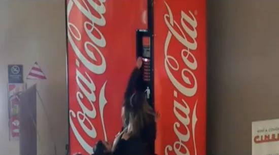 publicidad-creativa-coca-cola-amistad