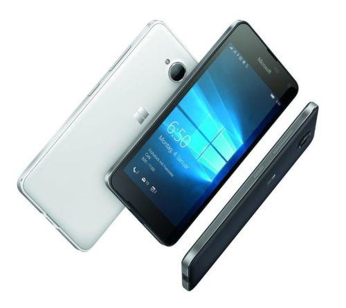 La qualità costruttiva è uno dei punti di forza di questo Lumia: c'è tutta l'esperienza di Nokia e si vede.