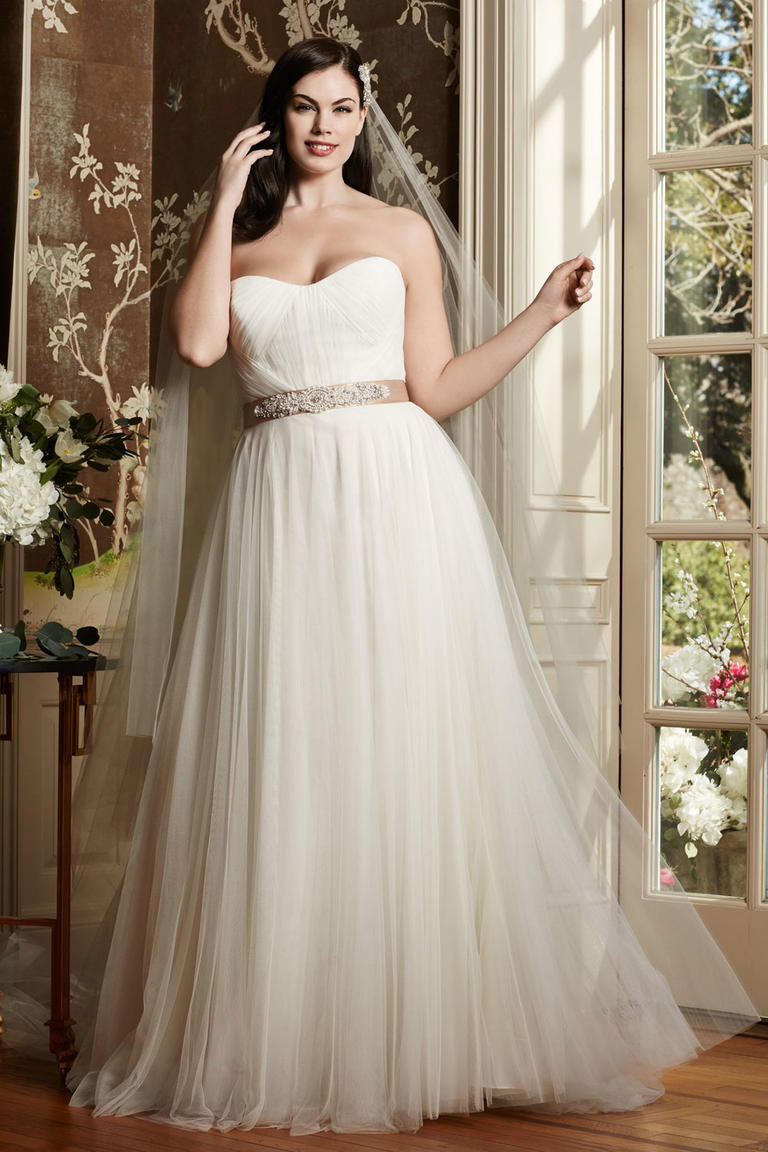 8 different style plus size wedding dresses plus sized wedding dresses 8 fashion style plus size wedding dresses for curve girls 06