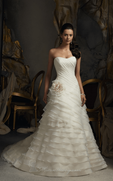 How to Choose the Perfect Wedding Gown for You