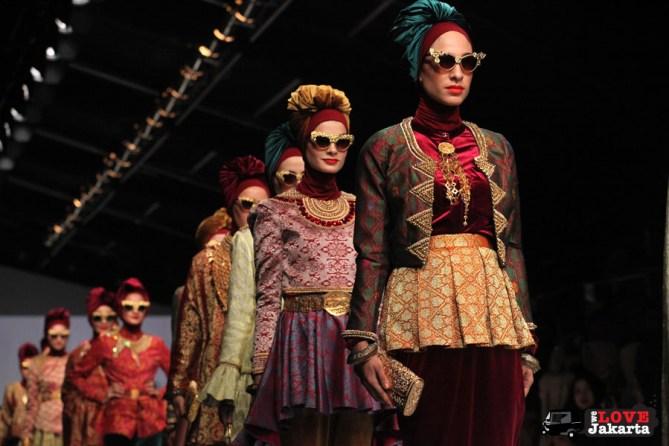Dian Pelangi_Tasha May_we love Jakarta_welovejakarta_Jakarta Fashion Week 2015_Senayan City_Fashion in Jakarta_Indonesian Fashion Designer