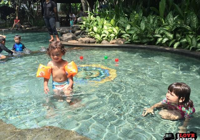 Tasha May_welovejakarta_we love jakarta_Easter Jakarta 2016_swimming at Veranda